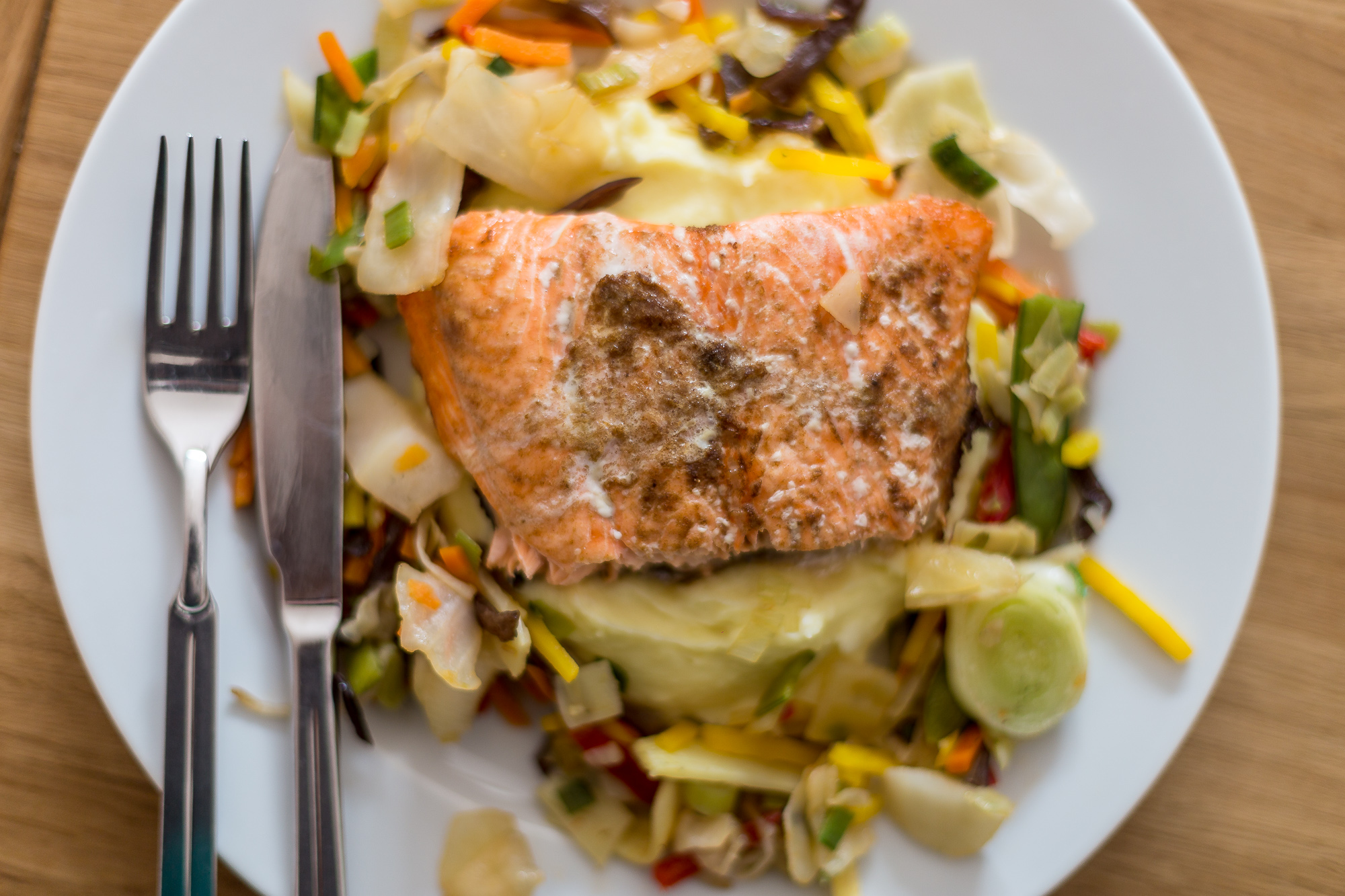 baked salmon with mexico vegetable mix